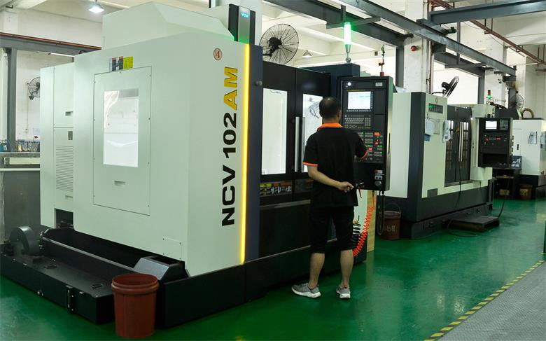 CNC machining process workshop