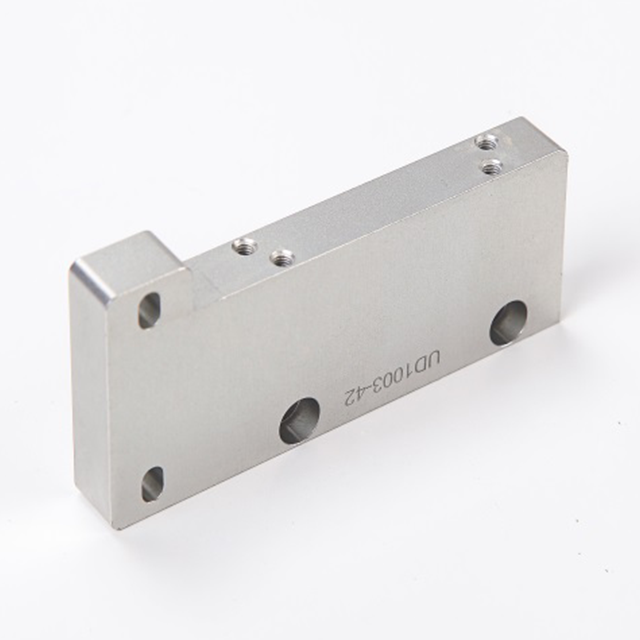 Custom machined parts for aluminium fixator by Shunho group
